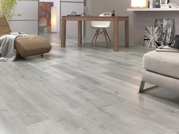 Finfloor original roble titanio club del parquet for Parquet laminado ac5